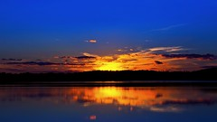 Penultimate Sunset of Summer 2018 (Bob's Digital Eye) Tags: bobsdigitaleye canon canonefs1855mmf3556isll clouds dusk flicker flickr lake lakesunsets reflections sep2018 silhouette skies sky skyline sun sunset sunsetsoverwater t3i water