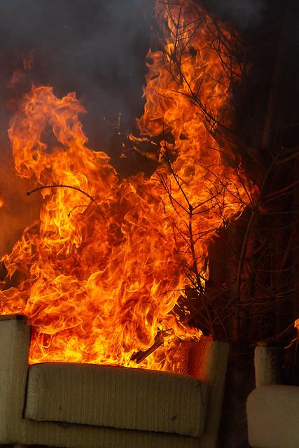Testraum in Flammen II