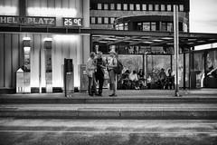 OKSF 224 (Oliver Klas) Tags: okfotografien oliver klas street streetfotografie streetphotography strassenfotografie streetart streetphotographer streetphoto stadtleben streetlife streetculture urban schwarzweis schwarzweissfotografie blackandwhite monochrom farblos abstrakt dunkel hell grau schwarz weiss black white sw schwarzweiss kunst art künstler kultur künstlerisch deutschland germany stadt city europa deutsch staat westdeutschland ostdeutschland norddeutschland süddeutschland kinder children kids klein jugendlich jugendliche personen people menschen persons volk familie angehörige bewohner bevölkerung leute europäer mann frau gesellschaft menschheit mensch völker de
