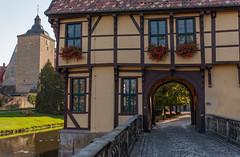 Burgsteinfurt_Schloss_Torhaus-1274 (encyclopaedia) Tags: burgsteinfurt schloss brd germany westfalen westphalia castle lightroom raw herbst autumn