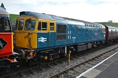 """British Rail Blue Class 33/1, 33102 """"Sophie"""" (37190 """"Dalzell"""") Tags: brblue nonstandard parcelsred brcwco sulzer crompton type3 bagpipe class33 class330 class331 33021 eastleigh d6539 33102 sophie d6513 cvr churnetvalleyrailway cheddleton"""