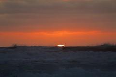 Sunset, West Coast, NZ (José Rambaud) Tags: sunset atardecer westcoast olas waves mar sea seascape sol sun nubes clouds paysage paisaje paisagem landscape nuevazelanda newzealand tasmansea mardetasmania pacificocean océanopacífico