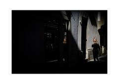 Luzern (SinoLaZZeR) Tags: 瑞士 卢塞恩 欧洲 街头摄影 彩色摄影 人物 luzern lucerne street streetphotography streetlife switzerland schweiz fujifilm fuji finepix xpro2 xf 35mm fujinon europe available light shadows candid