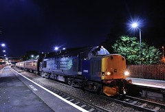 37-605-1Z54-Telford-23-9-2018 (D1021) Tags: class37 37605 drs directrailservices 1z52 pathfinder pathfindertours thesugarloafmountaineer telfordstation telford shropshire nikond300 d300 night nightshot theplough
