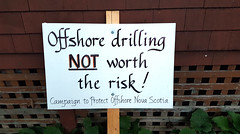 Offshore drilling NOT worth the risk! (Coastal Elite) Tags: offshore drilling worth risk novascotia halifax sign protest signs environment environmental environnement pétrole oil gas bp drill coast campaign protect natural resources affiche manif nouvelleécosse westend yard front house home
