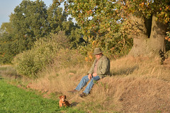 Landschaft mit Hund und Mensch (German Circle) Tags: landschaft landschaften landscape landscapes hund wuz dackel