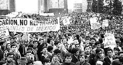 manifestacion_estudiantes_26_julio (Accion La Silla Rota) Tags: manifestacion cnh 1968 68 unam ipn poli estudiantes mitin octubre