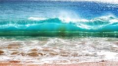When it Curls (reflection below) (Robert Cowlishaw (Mertonian)) Tags: 2018 maui2018 mertonian robertcowlishaw deeply ineffable awe wonder forwisdom beauty beautiful sublime hawaii canon powershot g1x mark iii canonpowershotg1xmarkiii beyondblue light curvy