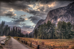 Yosemite Valley Sunset (Michael F. Nyiri) Tags: yosemitevalley yosemitenationalpark california northerncalifornia clouds cloudscapes sunset mountains