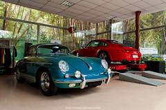 Porsche 356 B & 911 Carrera (Jeferson Felix D.) Tags: porsche 911 carrera 993 porsche911carrera993 porsche911carrera porsche911 porsche993 356 b porsche356b porsche356 canon eos 60d canoneos60d 18135mm rio de janeiro riodejaneiro brazil brasil worldcars photography fotografia photo foto camera