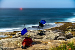 Night and Day - sculpture by the sea 2018, Bondi. (jmphotos2020) Tags: sculptureexhibit bondibeach tamaramabeach sydney nightphotography longexposure