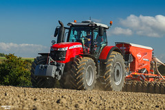 New Massey Ferguson 8732 S (martin_king.photo) Tags: autumnwork autumnwork2018 autumn powerfull martin king photo machines strong agricultural greatday great czechrepublic welovefarming agriculturalmachinery farm workday working modernagriculture landwirtschaft martinkingphoto machine machinery field huge big sky agriculture tschechische republik power dynastyphotography lukaskralphotocz day fans work place blue green compact planting seeding seed tree trees landscape masseyferguson new masseyferguson8732s masseyferguson8700s tractor kuhn trelleborg trelleborgtyres trelleborgagri trelleborgtires kuhnespro6000r kuhnespro clouds