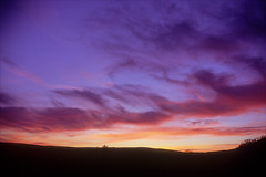 sunset from my garden no 56 (Ron Layters) Tags: sunset purple red orange clouds silhouette evening spondshill peakdistrict countryside whaleybridge england unitedkingdom highpeak slidefilmthenscanned slide transparency fujichrome velvia leica r6 leicar6 ronlayters highestposition50onfridayoctober52018 interesting explore explored