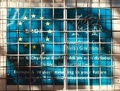 Ewrop a Chymru: Buddsoddi yn eich Dyfodol (Rhisiart Hincks) Tags: brexshit brexit welsh english saesneg cymraeg undebewropeaidd europeanunion infrastructure isadeiledd restoration adfer patronage nawdd investment buddsoddi stars sêr dragon draig window ffenestr arwydd sign blue glas gwleidyddiaeth politics railway rheilffordd station gorsaf cymru wales ewrop europe eu erdf