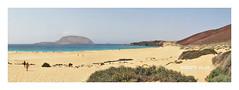 Panorámica Isla de La Graciosa 3390b (ROBERTO VILLAR -PHOTOGRAPHY-) Tags: photografikarv lzphotografika lanzarotephotográfika imagenesdelanzarote fotosdelanzarote photobank mejorconunafoto isladelagraciosa beach playa