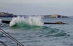 IMG_0072  marée haute à Saint-Malo (gerardstmalo) Tags: wawes vagues tide marée saintmalo