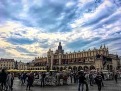 A la espera... (Nikar1) Tags: plaza rynek cracovia polonia viaje
