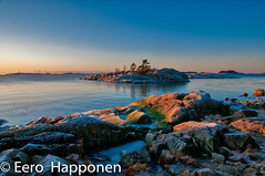 Last sunbeams on the Porkkala penisula. (Eero Happonen) Tags: afsnikkordx1685mm3556gedvr nikond300 porkkala suomenlahti auringonlasku meri merimaisema rantakallio talvi tammikuu tammikuu2009