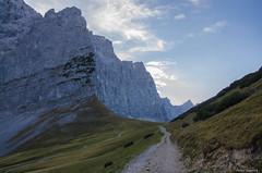 Near the giants (peter-goettlich) Tags: hohljoch karwendel forstweg weg pfad eng ahornboden lalidererspitze laliderer wand grubenkarspitze