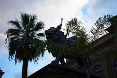 DSC_0079_1 (en.putrino) Tags: palermo sicilia italia sicily piazza pretoria massimo teatro statue leone fontana della vergogna acqua cielo nuvole clouds sky italy