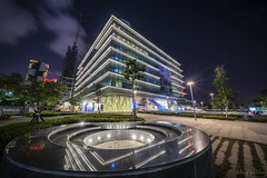 高雄市圖書總館 (Hong Yu Wang) Tags: sony a73 a7m3 a7iii taiwan kaohsiung library nightview night architecture cityscape 高雄 圖書總館 夜景 夜晚 建築