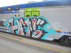 036 (en-ri) Tags: hm ins 2018 azzurro nero rosso train torino graffiti writing arrow headz