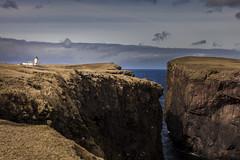 Eshaness Lighthouse - Shetland Islands (Joost10000) Tags: sky rocks rock cliff landscape seascape landschaft eshaness lighthouse scotland ecosse uk unitedkingdom europe atlantic ocean coast coastline cloud sea water canon canon5d eos outdoors natur nature scenic view vuurtoren leuchtturm grass shetland islands