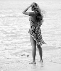 the ocean is so endless (Stefan Wirtz) Tags: thailand thaigirl thai thaiwoman girl mädchen frau woman strand meer ozean ocean andamanensee kophiphi lukshao