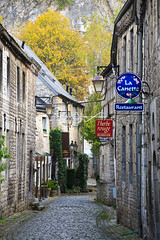 IMG_1670 (Bartek Rozanski) Tags: durbuy luxembourg ardennes belgium sign stone street cobblestone autumn