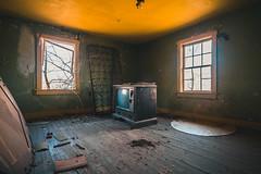 Abandoned House (The Dying Light) Tags: abandonedbuilding abandonedhouse abandoned urbex urbanexploration urbanexplorationphotography urbanexploring urbexvirginia abandonedhouseinvirginia