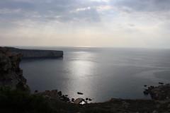 Sonntags in Malta (ingejahn) Tags: sonntag malta meer berge felsen aussicht