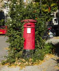 Victorian Pillar Box, South Hill Park, Hampstead (London Less Travelled) Tags: uk unitedkingdom city urban britain england london hampstead heath parliamenthill mail mailbox pillarbox victoria victorian
