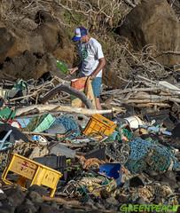 Kaho' alawe Clean Up Day Two, Oct. 22, 2018 (Greenpeace USA 2016) Tags: myas arcticsunrise hawaii ship plastics campaign oil pacific ocean island trash kahoolawe usa