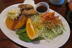 Aji Fry & potato croquette, small chirashi salad (Riex) Tags: food meal dish plate nourriture repas lunch japanese cuisine japonaise sushikai restaurant milpitas california californie g9x explored11012018