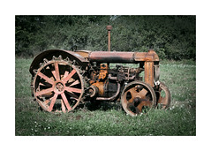 LW VIII (*TimeBeacon*) Tags: fordson tractor old rusty decaying tb rust vintage farming rural