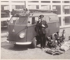 "NN-60-69 Volkswagen Transporter bestelwagen 1953 ""Brandweer Rotterdam"" • <a style=""font-size:0.8em;"" href=""http://www.flickr.com/photos/33170035@N02/30970267178/"" target=""_blank"">View on Flickr</a>"