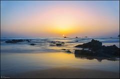 Amanecer (antoniocamero21) Tags: amanecer color foto sony marina rocas sol trengandín noja cantabria