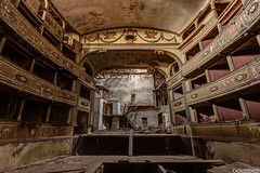 Teatro di Discordia (El Nigloo Loco) Tags: architecture abandoned abandonné amazing ark art arches crazy exploration expérience erosion earth canon eos 700d rawshot ruins theater théâtre italien symbol mysticism cryptic urbex urbanexploration intothewild oldschool old patrimoine photography perished stateofdecay decay derelict dust downthere darkness death forgotten ghost grim history heritage light longexposure lost loss legacy leftbehind lumière worksofart wooden voyage backpack beautyofdecay beautiful bretagne news
