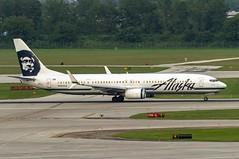 Alaska Airlines Boeing 737-990(ER)(WL) N464AS (MIDEXJET (Thank you for over 2 million views!)) Tags: milwaukee milwaukeewisconsin generalmitchellinternationalairport milwaukeemitchellinternationalairport kmke mke gmia flymke alaskaairlinesboeing737990erwln464as alaskaairlines boeing737990erwl n464as boeing737990 boeing737900 boeing737 boeing 737 737900 737990 wisconsin unitedstatesofamerica