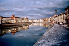 Riflessi Pisa (michele.palombi) Tags: pisa arno film 35mm analogic colortec c41 negativo colore tuscany