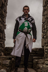 Owain Glyndwr Weekend 2018 (Coed Celyn Photography) Tags: knights knight castle castell window architecture masonry stone costume outfit armor armour reenactment larp medieval re enact harlech north wales gwynedd snowdonia eryri cymru cymraeg living history
