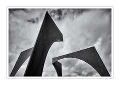 ZENITH (Barry Haines) Tags: sony a7r2 a7rii carl zeiss 21mm loxia distagon sculpture park cornwall homestead zenith