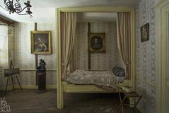 Good Night / Dobrou noc (katka.havlikova) Tags: abandoned villa house maison menoir room bedroom lost derelict decay france francie opuštění vila beauty dům travel