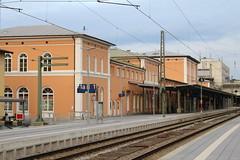 DB: Empfangsgebäude des Bahnhofs Passau Hbf (Helgoland01) Tags: passau bayern niederbayern deutschland germany bahnhof station railway eisenbahn db bahnhofsgebäude