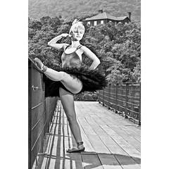 modelo, bailarina, atriz, Giovana Gonzalez, ensaio, Parapiacaba, São Paulo, Brasil, externo (luizleitefotografia) Tags: luzes sol avenida plantas poses roupas cabelos brilho dia noite externo sorrisos claro escuro sombras olhar espressões modelo bailarina atriz giovanagonzalez ensaio parapiacaba sãopaulo brasil