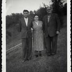 Archiv R360 Mutter, Vater Sohn, 1950er thumbnail