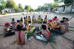 Kayapo (pguiraud) Tags: kayapo sergeguiraud jabiruprod indiens amérindiens indios peuplesindigènes brésil brasil brazil amazonie amazonia amazone amériquedusud ethnies portrait enfants peinturescorporelles
