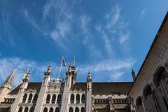 Guildhall (Spannarama) Tags: lookingup blueskies clouds wispy london uk guildhall guildhallyard architecture