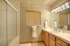 Master Bathroom 1 (J Tee) Tags: 795 elm