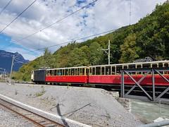 Wilderswil scenes 120 (SierraSunrise) Tags: switzerland wilderswil europe train railroad red